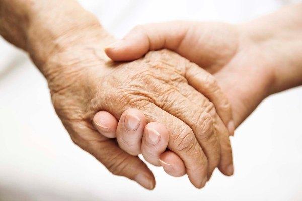 Sempre più malati di Alzheimer e sempre meno supporto dallo Stato