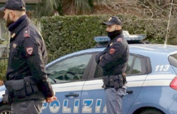 """Bustarelle per """"chiudere un occhio"""" sulla prevenzione degli incendi; arresti a Torino e Roma"""